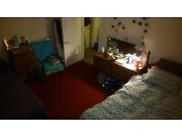 Double room available in friendly Buckingham Road house (unfurnished)