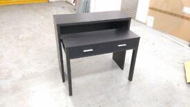 Folding desk in black - Great condition!