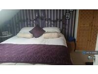 1 bedroom in Penrhyn Crescent, London, E17