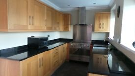 Fully fitted solid oak kitchen with fitted appliances