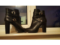 FOREVER 21 BLACK HEEL BOOTS ONLY WORN ONCE SO ALMOST PERFECT,SIZE 6,