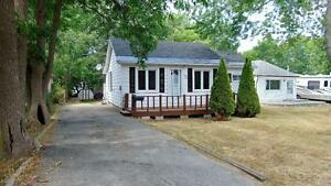 Charming Two Bedroom Home near the Water in Orillia
