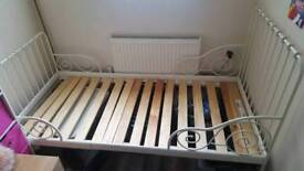 Ext bed frame with slatted bed base