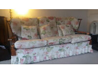 Sofa and two armchairs (can split)