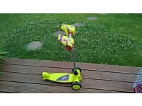 Monster hand three wheel kids scooter green very good condition.