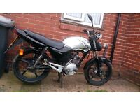 Yamaha 125 needs work doing could be used for parts