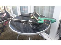Hedge Trimmer Qualcast cordless 18v li-lon like new, very little use.