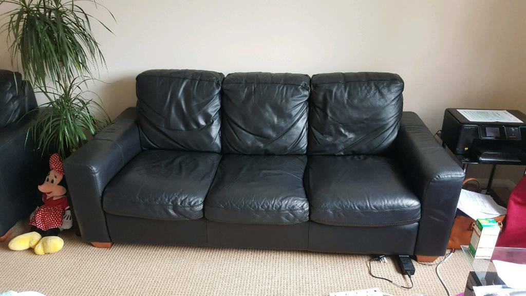 3 and 2 seter italian leather sofa