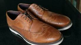 Gents uk size 9 ,brouge shoes in exc exc condition barely worn