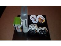 Xbox 360 Elite White + 120 Gb Hard Drive + 9 Original games + 5 Controllers+Cables