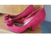 Red Vintage Style Heels in mint condition in size 7