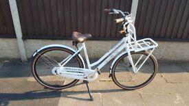 Gazelle Miss Grace Dutch Bike **BRAND NEW** White, Dynamo Lights, Built in lock!