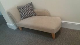 Chaise in MINT condition