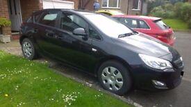 2012 Vauxhall Astra, black, low miles.