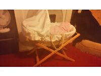 Moses basket and stand mamas and papas white