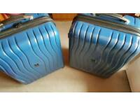 it Luggage lightweight suitcases