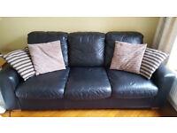 Black Leather 3 + 2 Seater Sofa Set.