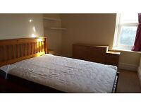 Large Double Room for Single Occupancy in Clean, Friendly, Furnished Maisonette Christchurch Rd Bosc
