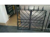 Foldable gate