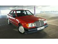MERCEDES 300E  1989 IN VERY GOOD CONDITION 77,000 MILES ORIGINAL CLASSIC USED DAILY
