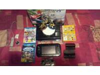Wii U with Glow in the Dark Controller + 4 Games