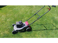 4 x Lawnmowers - Lots of parts - Very good engines - Range with Grass boxes