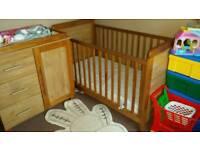 Nursery furniture cot set