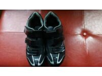 Shimano R078L cycling shoes, size 9. Plus a pair of Shimano PD-M520 pedals.