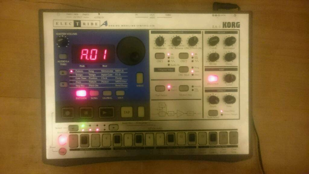 Korg EA1 Analogue Modelling Synthesizer