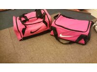 Pink nike holdall bags
