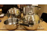 Saucepans and colander