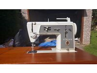 Singer 631g Slant Shank Sewing Machine in Cabinet