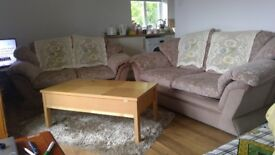 TWO SEATER SOFA FOR SALE IN GOOD CONDITION IN KINGSTON UPON THAMES