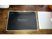 NEW - Black hardshell case for MacBook Pro 15 - made by Moshi