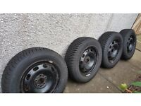 DUNLOP 4x Winter Tyres and Wheels