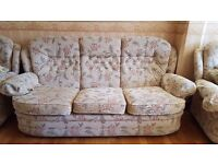 Space saving SOFAS for sale (3 Seater and 2 armchairs)