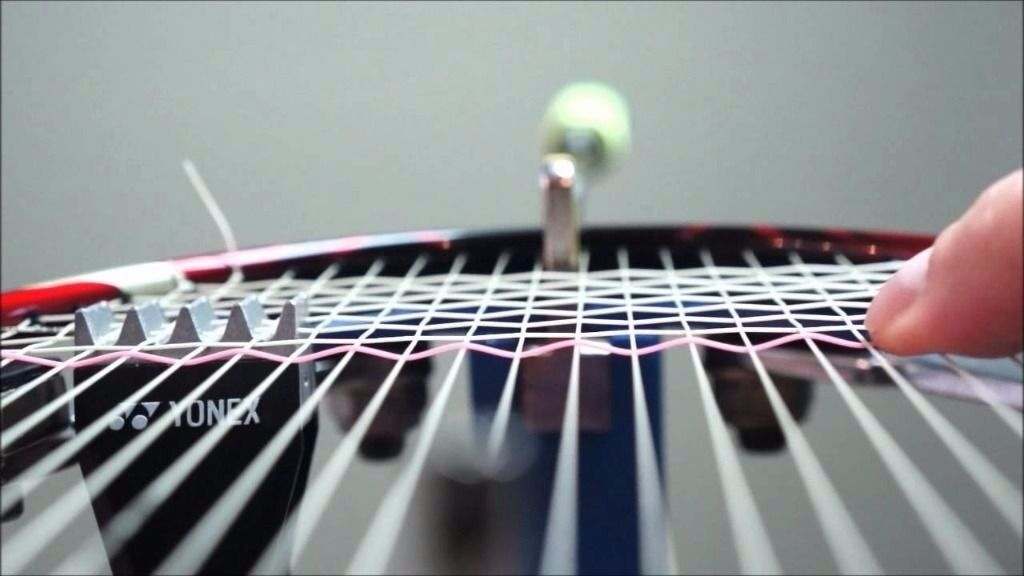 Badminton racquet/racket restringing/stringing