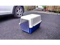 PET CARRIER SUITABLE FOR SMALL DOG, PUPPY OR CAT.