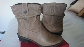 Marco Tozzi leather ankle boots size 7