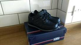 Boys Leather School Shoes Size 13 New in Box