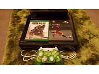 Xbox one 500gb (Unboxed) with kinect, Rock Candy (wired) controller and 2 games