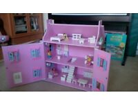Wooden house +furniture + dolls