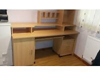 Home office large desk Good condition.