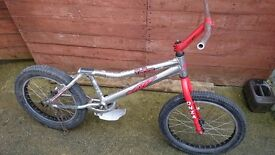 Onza trial bike