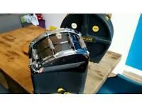 Vintage ludwig black beauty snare drum