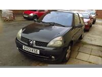 Very Cheap Clio 1.2, Long MOT to April 2017 in Black registered in 2003
