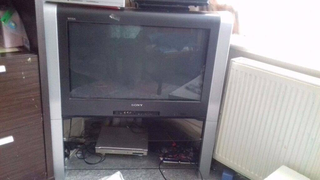 sony wega trinitron tv 30 widescreen wega tv in fulham london