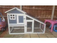 !!Brand new unused hutch!!