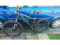 Saracen raw 3 mountain bike