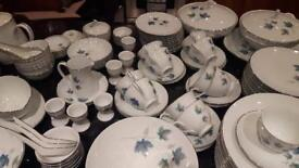 Noritake Royal Crockery Vintage 618 - 106 pieces
